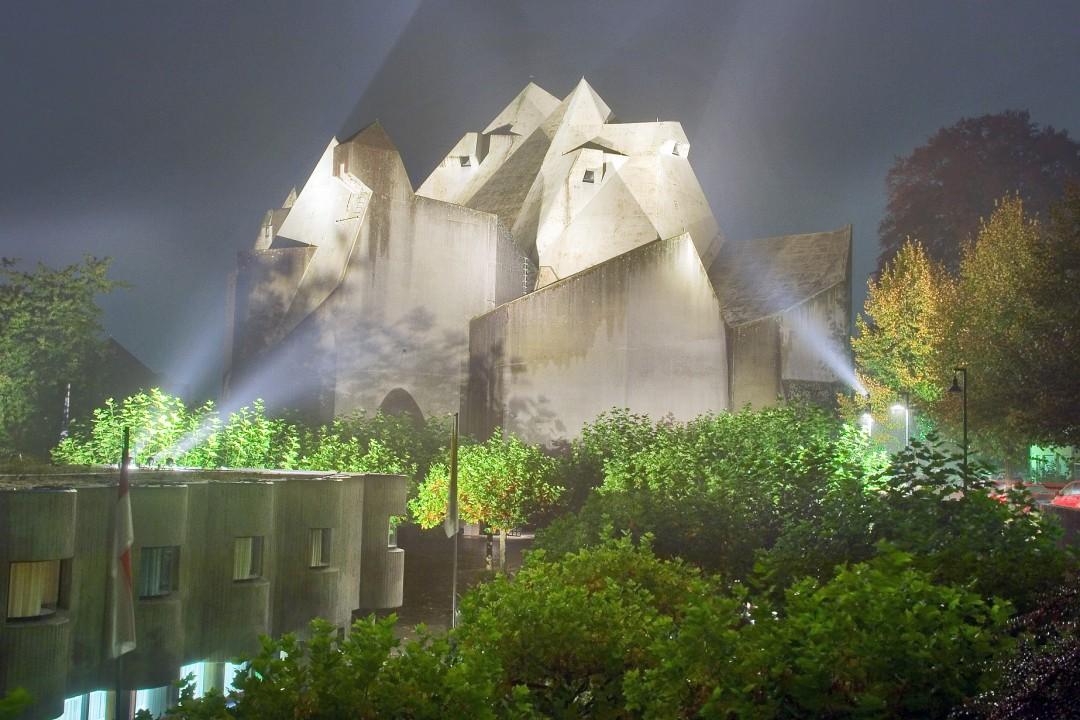 Ein vielbeachtetes Stück Architektur - der Mariendom in Velbert-Neviges. Foto: Mathias Kehren