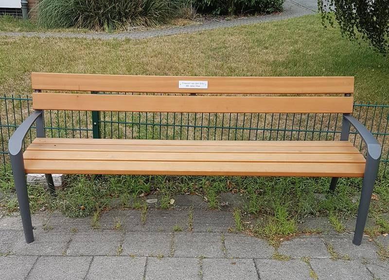 Eine der neuen Bänke in Hösel. Foto: Stadt Ratingen