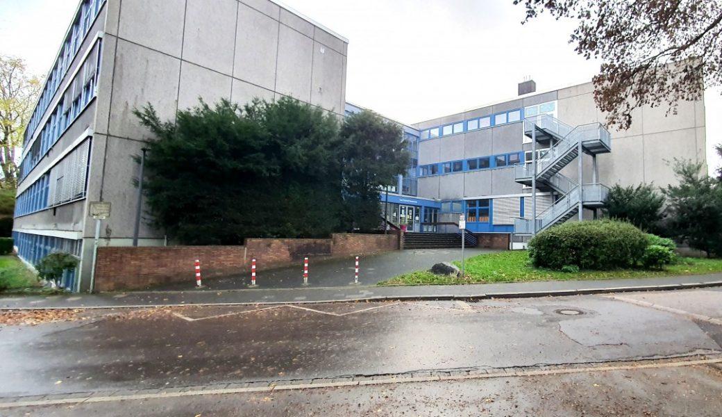 Die Carl-Fuhlrott-Realschule wird mit Errichtung der Gesamtschule auslaufen. Foto: Volkmann
