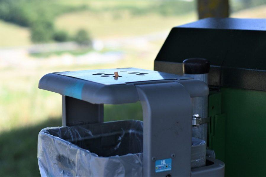 An zwei Haltestellen im Stadtgebiet wurden Müllbehälter angebracht. Symbolfoto:; pixabay