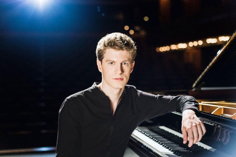 Der Pianist Alexander Krichel spielt am 19. Dezember. Foto: TUP/Mark Oliver