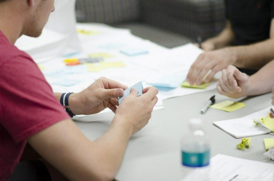 Kleine und mittlere Unternehmen sollen mithilfe des Leitfadens Konzepte für eine familienorientierte Unternehmenskultur erarbeiten können. Foto: pixabay