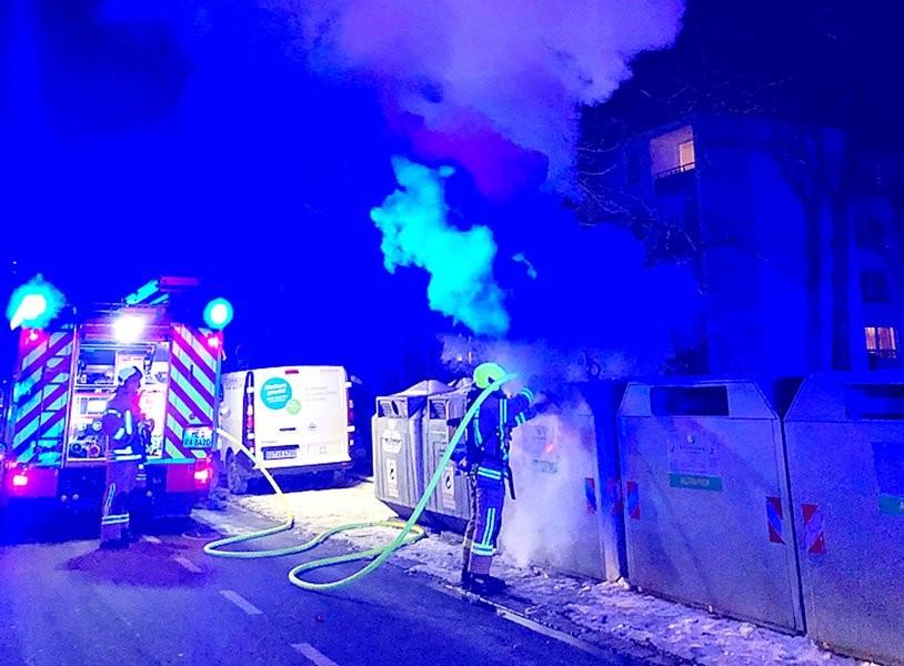 Der Container an der Berliner Straße wurde laut Polizei vermutlich absichtlich angezündet. Foto: Polizei