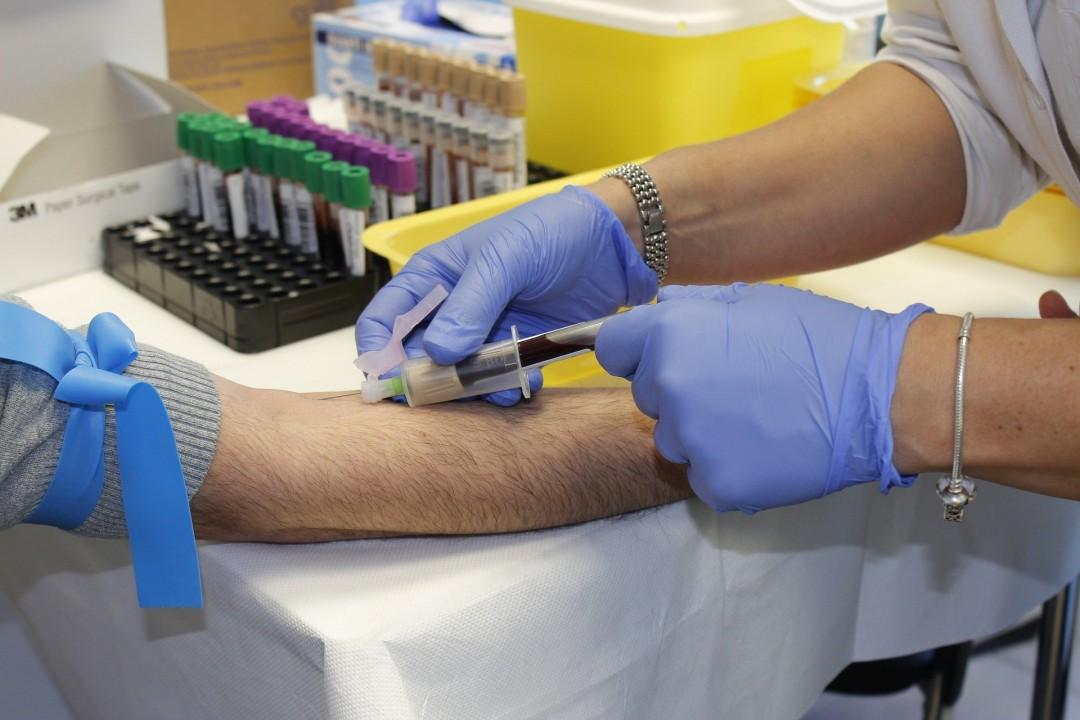 Das Rote Kreuz dankt allen Menschen, die mit ihren Blutspenden dazu beigetragen haben und weist darauf hin, dass es auch in der Impfphase weiter wichtig ist, Blut zu spenden. Bild: pixabay