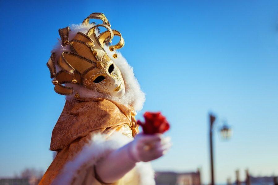 Für ihr Engagement im Karneval hat der Landtag Auszeichnungen an nordrhein-westfälische Akteure des Brauchtums verliehen - Ehrungen gingen dabei auch nach Ratingen und Hilden. Foto: pixabay