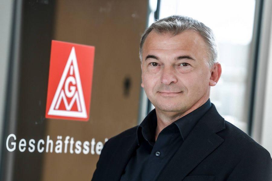 Gewerkschafter Hakan Civelek leitet die Velberter Geschäftsstelle der IG Metall. Foto: IG Metall