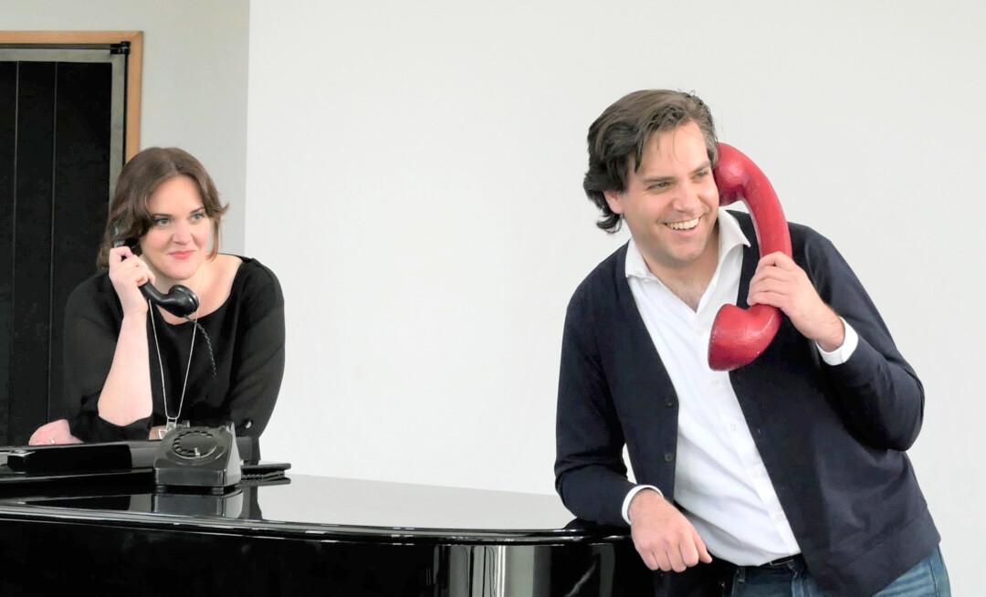 Jessica Muirhead (Sopran) und Karel Martin Ludvik (Bassbariton) gehören wieder zu den vier Ensemble-Mitgliedern des Aalto-Theaters, die sich mit kurzen Konzerten per Telefon beim Opernpublikum melden werden. Foto: Aalto Theater