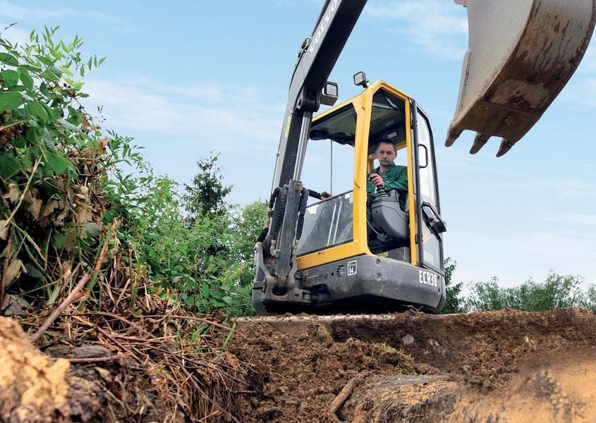 Vor Baumaßnahmen kann man sich kostenlos im Internet über mögliche Stromleitungen im Baugebiet informieren. Foto: Westnetz