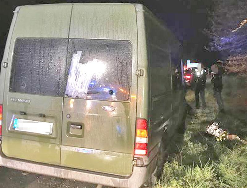 Der 63-Jährige war mit diesem Ford Transit auf der A46 unterwegs. Foto: Polizei