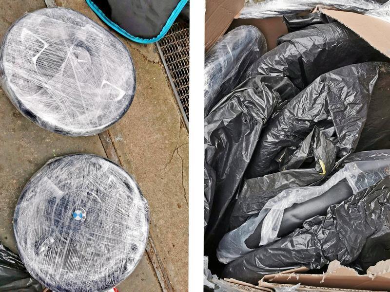 Kistenweise verpackte Multifunktions-Lenkräder wurden als Beutestücke sichergestellt. Fotos: Polizei