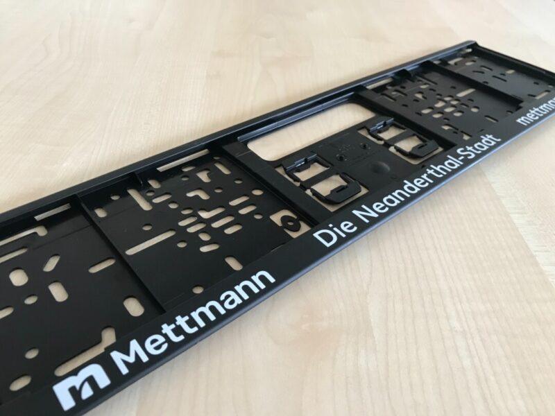 Der Mettmanner Autokennzeichenhalter. Foto: Kreisstadt Mettmann