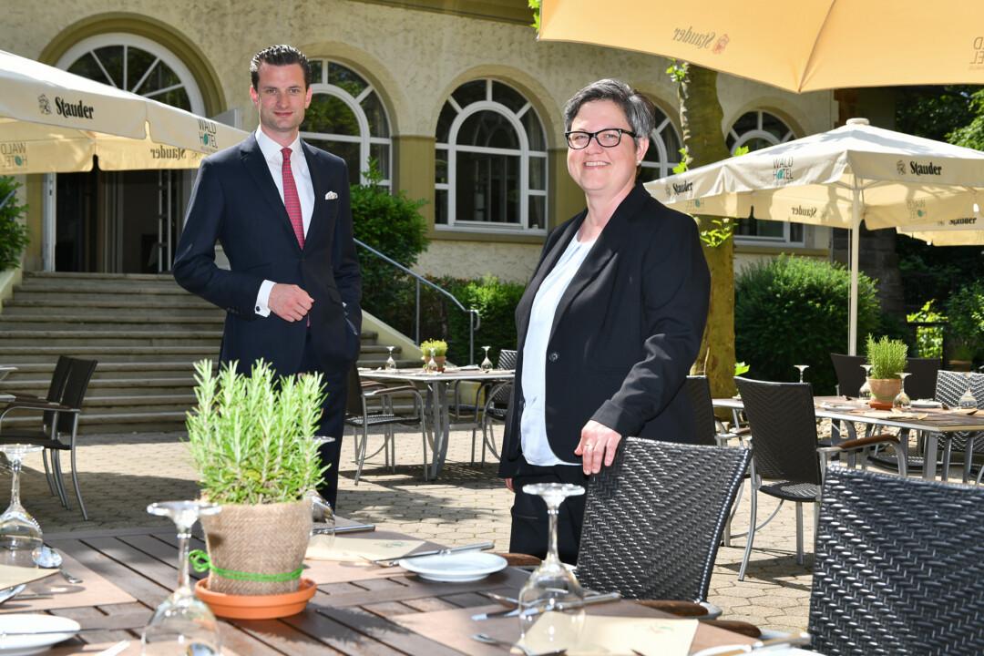 Patrick Rausch und Bianca Köppe bilden die neue Leitung des Waldhotels in Heiligenhaus. Foto: Mathias Kehren