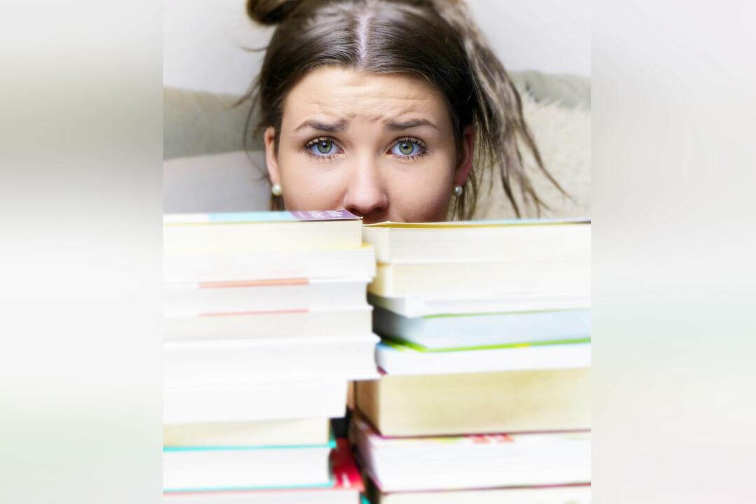 Die Verbraucherberatung gibt Tipps für Schulabsolventen. Symbolfoto: Pixabay