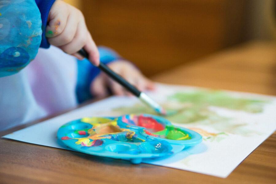 Wegen der durch Corona ausgefallenen Betreuung, werden Elternbeiträge teilweise erstattet. Foto: Pixabay