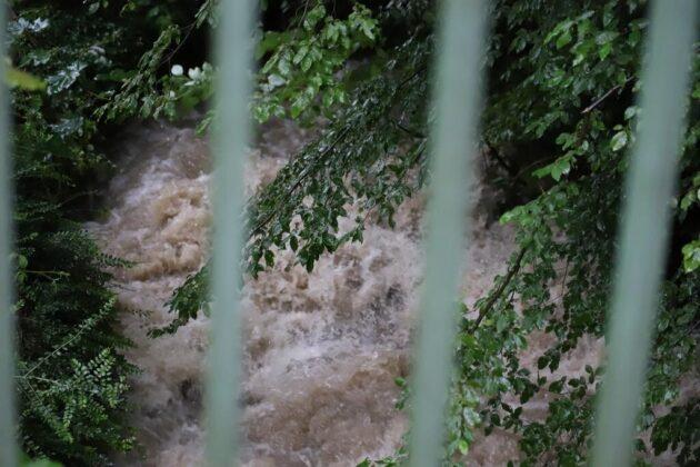 Hochwasser Velbert Neviges. Foto: Andre Volkmann