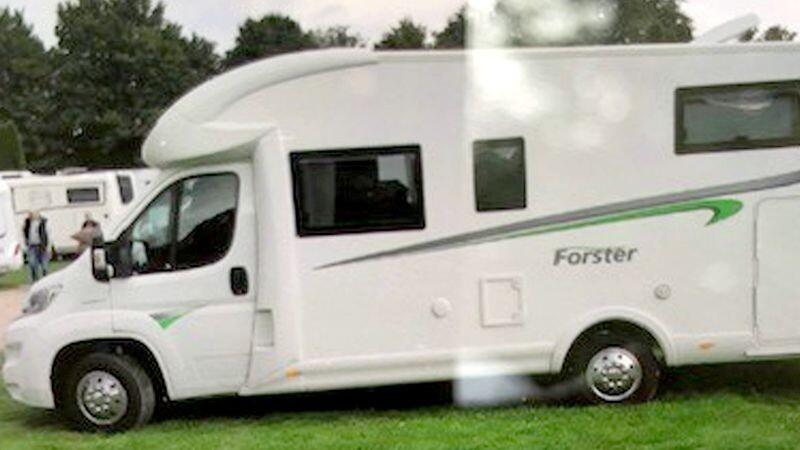 Rund 50.000 Euro soll dieses Wohnmobil wert sein - Täter haben es in Monheim-Baumberg gestohlen. Foto: Polizei