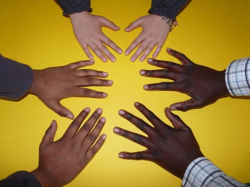 In Erkrath werden Engagierte ausgezeichnet, die sich für Integration und ein solidarisches Zusammenleben einsetzen. Foto: pixabay
