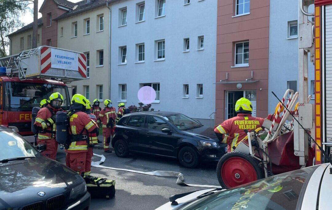 Die Wehr vor Ort an der Breslauer Straße. Foto: Feuerwehr Velbert
