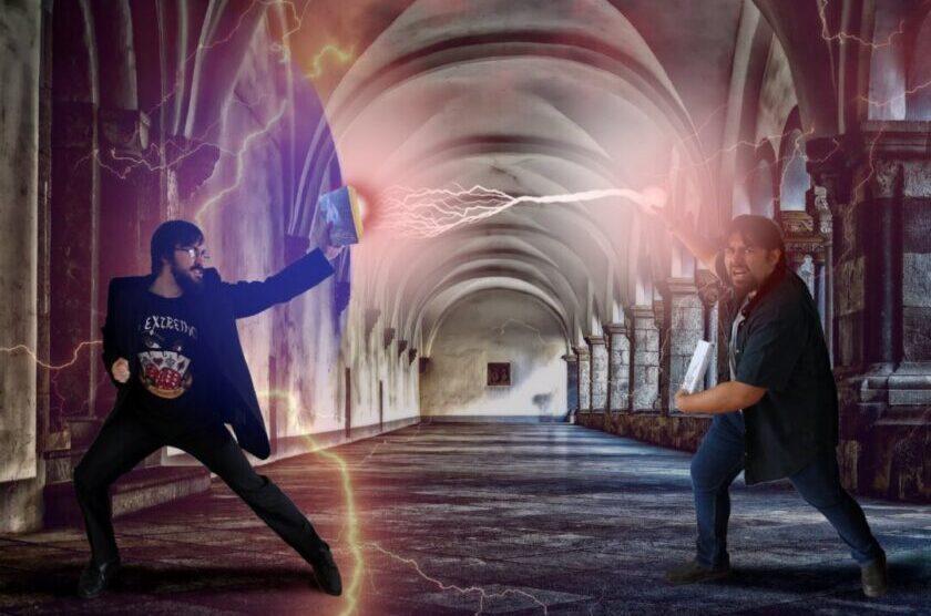 Eric F. Bone und Hagen Thiele liefern sich einen literarischen Zweikampf. Foto: Künstler